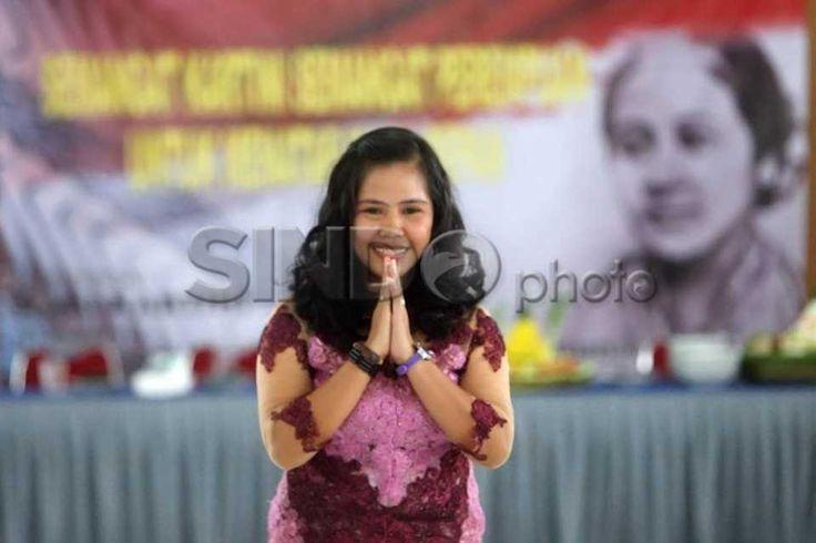 Hari Kartini, Terpidana Mati Narkoba Ini Melenggang di Catwalk http://sin.do/eljV  http://photo.sindonews.com/view/12146/mary-jane-tampil-di-fashion-show-lapas-wirogunan