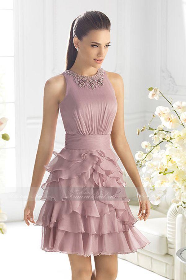 Perfektes knielanges Etui-Linie Abendkleid mit Ausschnitt aus Chiffon