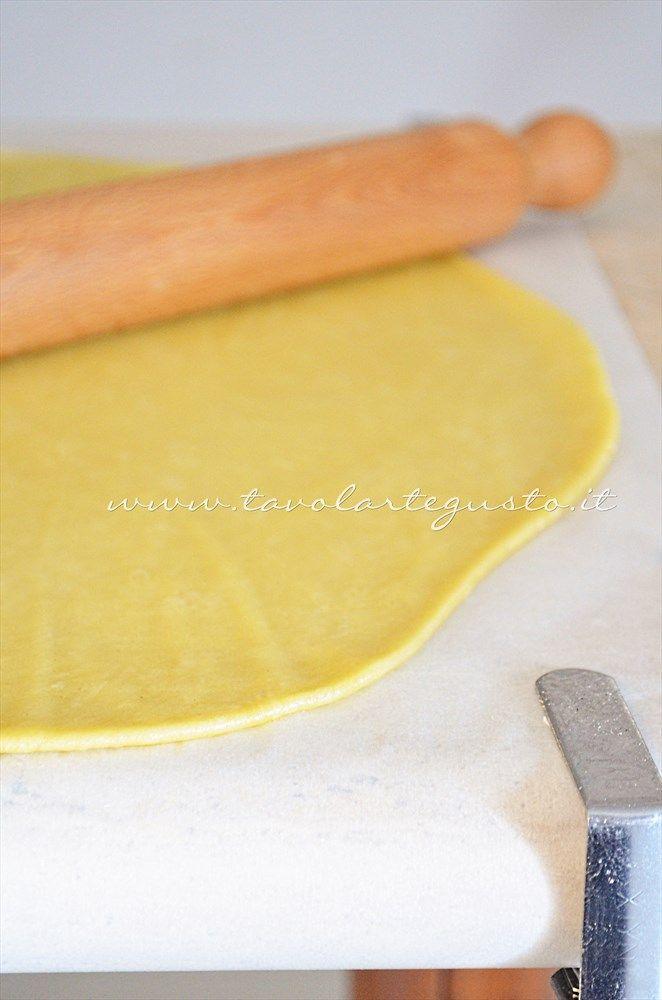 Pasta Brisee all'olio extravergine 200g farina - 80g olio - 70g acqua fredda - sale