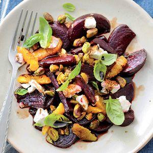 Kijk wat een lekker recept op de test-site van Allerhande! Geroosterde bietensalade met geitenkaas