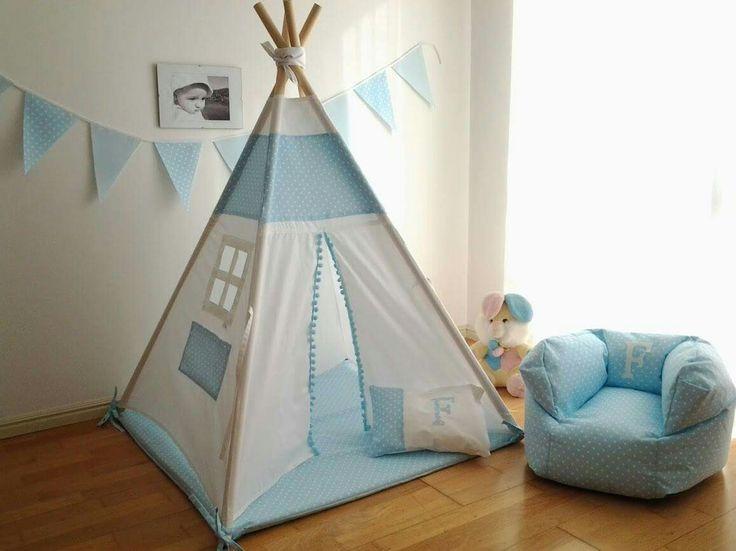 Conjunto tenda, com base em colchão e almofada 90€ dim. base 1mx1m, altura 1,40m, padrão da Vidal Tecidos puff xs 35€ bandeirinhas 12€ (2,20m) #tipi; #teepee; #textiltribu; #tendadebrincar; #babyroom; #textilpuff; #puff; #bebé, #maternidade