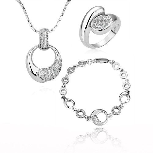 18K White Gold P & Czech Crystal Heart Set