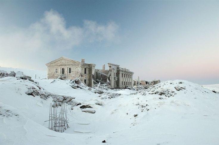 Abandoned mining colony in Norilsk Russia. Photo by Elena Chernyshova [OS] [16001062].