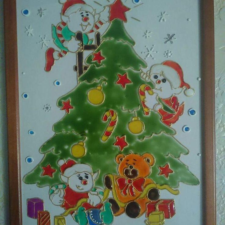 Новогоднее настроение и предвкушение праздника;) Елка и мандарины... Подарки... Бенгальские огни и хлопушки... Ведь скор-скоро Новый год!!! ;) Вот такой вот новогодний витраж от нашей художницы ;)