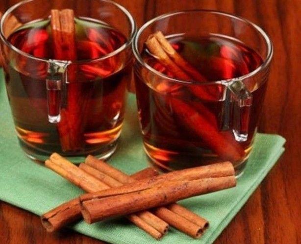 5 eenheden van kaneelstokje 200 ml gefilterd water suiker naar smaak ... ...  Eliminatie van slechte adem, Genezen van hoofdpijn en migraine ,Helpt bij het reguleren van de menstruele cyclus...