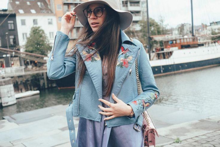 www.haileighandjamie.com Light blue jacket Zaful in Antwerpen #zaful #leatherjacket