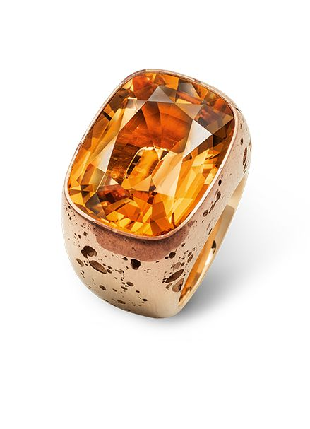 Hemmerle. Topaz, pink gold and tufa gold ring...♡