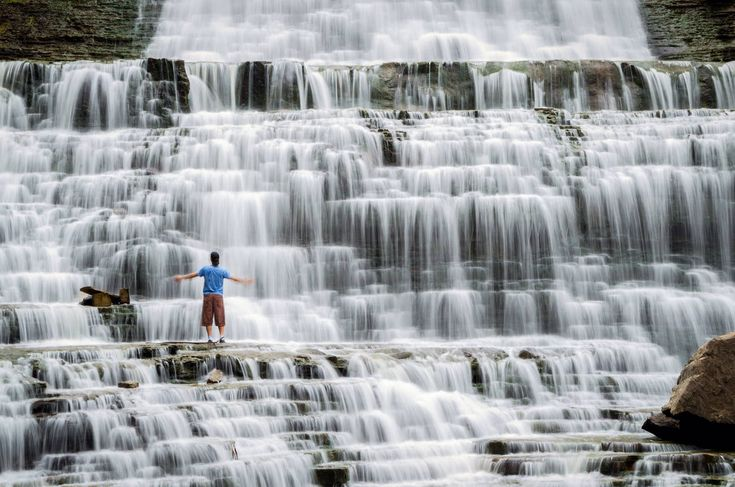This unreal cascade waterfall is just 45 minutes from Toronto