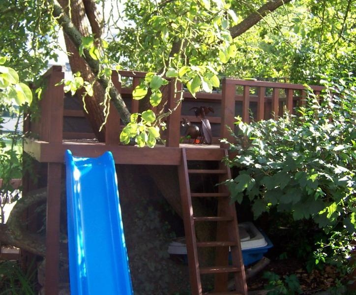 backyard play ground, tree house, play spaces, play garden