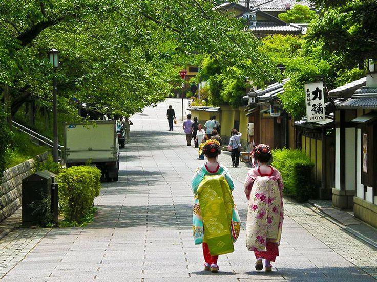 Kyoto, Stadt der Tempel: Hier trifft man auch noch Geishas auf der Straße   © CC Shadowgate auf Flickr