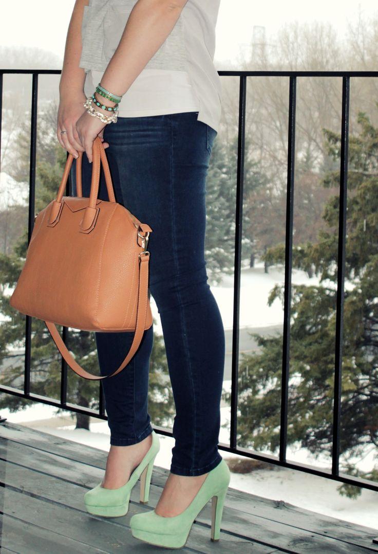 Lia Sophia bracelets, JustFab Hepburn Handbag, JustFab Thomasina Pumps in Mint