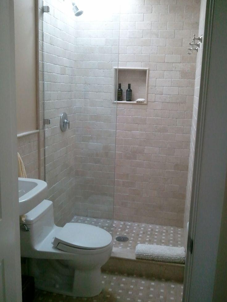 25 beste idee n over compacte badkamer alleen op pinterest lange smalle badkamer modern - Kleine badkamer in lengte ...
