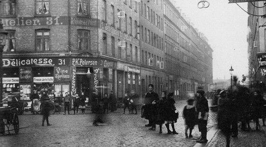 Istedgade 31 (nu nr 45, ca 1904) - Til højre Absalonsgade? med kig til Halmtorvet