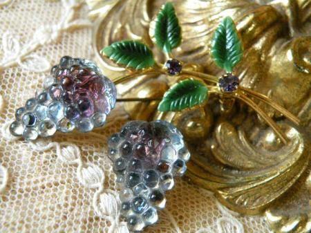 ヴィンテージ オーストリア製 フルーツ 葡萄のギブレガラスブローチ - Maiden's drawer