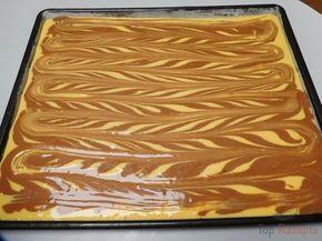 """Schneller Tassenkuchen """"mit Strähnchen"""" – eine Variante des Zebrakuchens. Es ist ein sehr leckerer Kuchen und er ist auch schnell gemacht, perfekt z.B. für einen spontanen Besuch."""