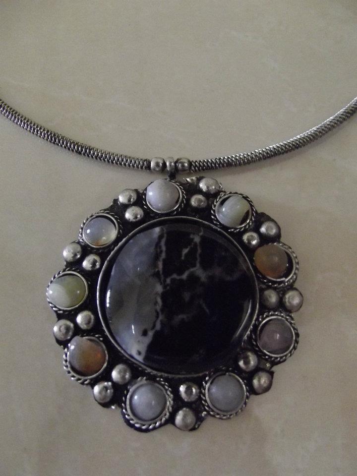 Indian necklace for sale: http://www.facebook.com/media/set/?set=a.418236228194275.101022.151032671581300=3