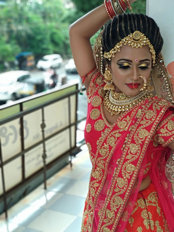Makeupclass doublecutcrease bridalmakeup bride