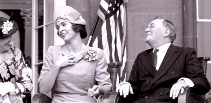 """Franklin D. Roosevelt: Robert Hardy in """"Bertie & Elizabeth""""  http://www.imdb.com/title/tt0310733/"""