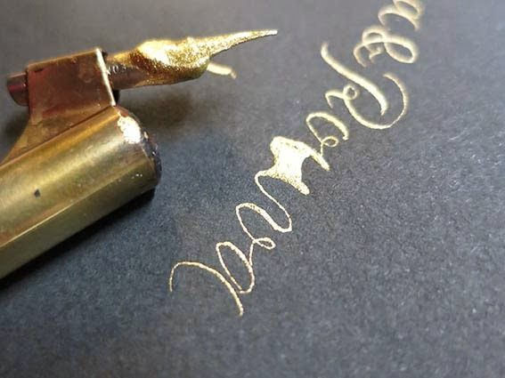 I was guest blogging at LOVEFALL blog about envelope lettering  Sain olla blogivieraana LOVEFALL blogissa - aiheena hääkuorien kalligrafiointi & tekstaus