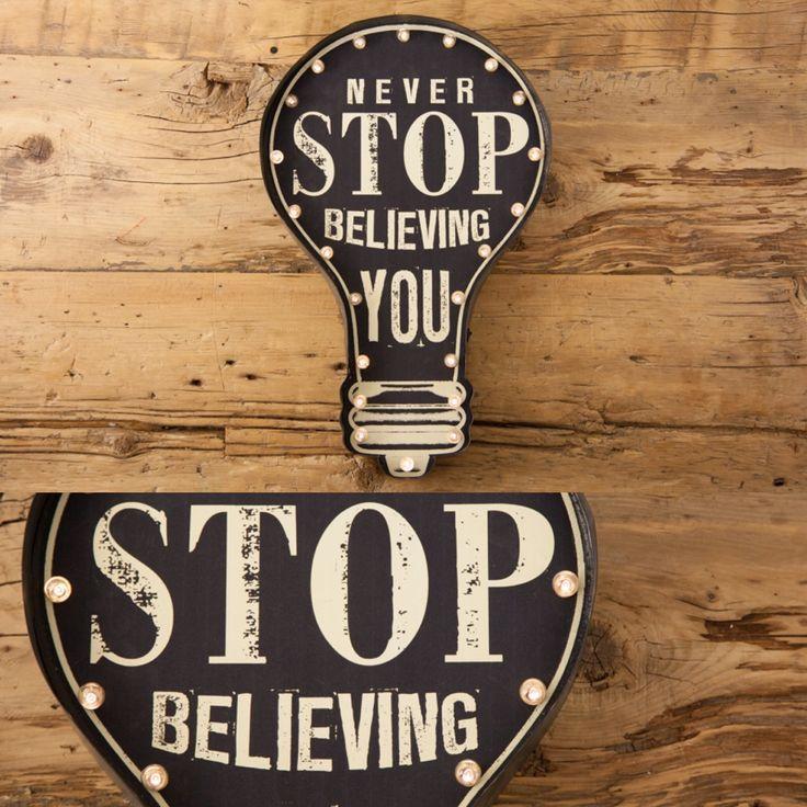 Painel Never Stop Believing | A Loja do Gato Preto | #alojadogatopreto | #shoponline
