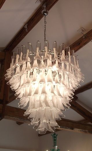 Murano Recreated From The 60 S Originally Made By Seguso This Spectacular Light Has 121