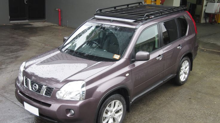 Nissan X-Trail with Oval Alloy roof rack