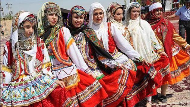 Hochzeitszeremonie der Kurmandji im Norden der Provinz Khorasan