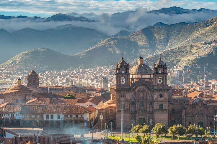 Discover the best things to do in Cusco, Peru, including Machu Picchu, Sacred Valley, Sacsayhuaman, and Catedral Basílica de la Virgen de la Asunción.