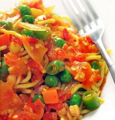 Салат из рисовой лапши с овощами и зеленью рецепт – японская кухня: салаты. «Афиша-Еда»