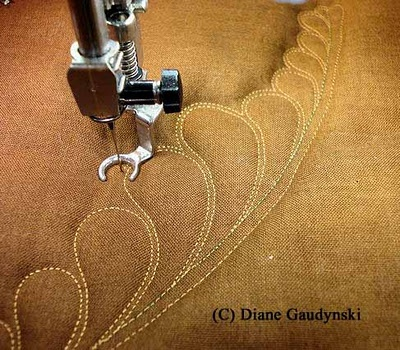 Quilting tutorial with Diane Gaudynski: Fmq Challenges, Feathers Quilts, Quilts Feathers, Feathers Tutorials, Machine Quilts, 2012 Fmq, Diane Gaudynski, Quilts Tutorials, Challenges Tutorials