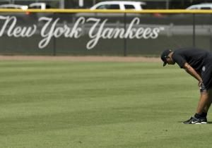 Major League Baseball officials told union leaders during a meeting at the Players Association's Midtown Manhattan offices on Tuesday that they plan to suspend Alex Rodriguez and eight other players who allegedly obtained performance-enhancing drugs from a South Florida anti-aging clinic.