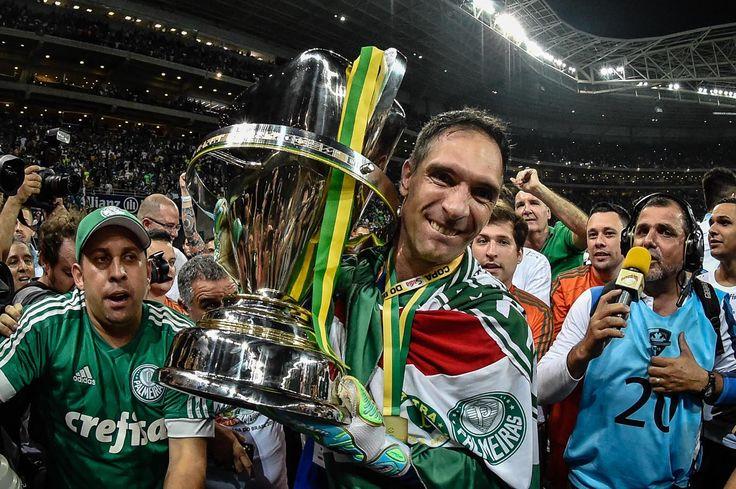 Palmeiras 2 x 1 Santos - Apesar dos dois gols de Dudu, Fernando Prass foi a estrela do jogo.