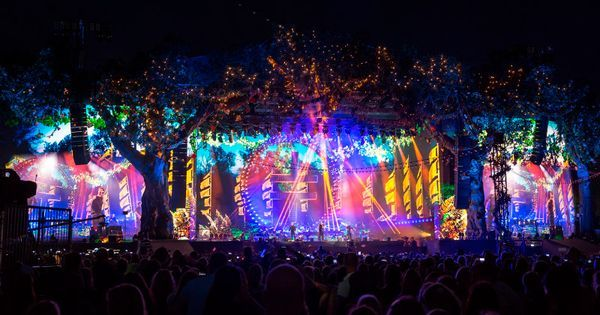 Take That at Barclay - Take That at Barclaycard presents British Summer Time Hyde Park 2016. | With the main stage lighting and rigging set-up supplied by PRG XL Video #LightingDesigner Tim Routledge was asked to provide a unique lighting design for the Take That show. He contacted PRG XLs Director Music Group Yvonne Donnelly Smith to supply over 450 additional fixtures to supplement the main rig. --- #Theaterkompass #Theater #Theatre #Schauspiel #Tanztheater #Ballett #Oper #Musiktheater…