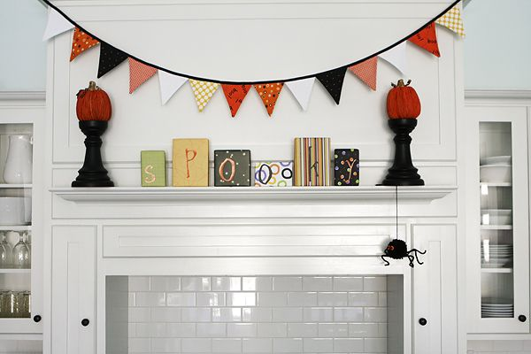 fun mantle decor!!