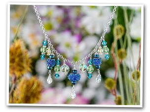 FREE tutorials : Artbeads.com - So many lessons, tips, patterns, ideas ... you could easily get lost here for a month.