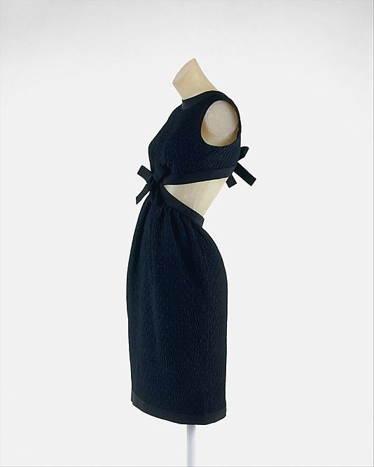 Cocktail Ensemble Yves Saint Laurent, Paris (French, founded 1962) Designer: Yves Saint Laurent (French (born Algeria) Oran 1936–2008 Paris) Date: ca. 1967 Culture: French Medium: silk, wool Dimensions: Length (a): 36 in. (91.4 cm) Length at CB (b): 38 1/4 in. (97.2 cm) Credit Line: Gift of Jane Holzer, 1977 Accession Number: 1977.115.17a, b