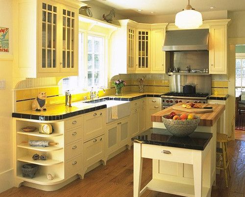 Small l shaped kitchen white and yellow country kitchens for Traditional kitchen shelves