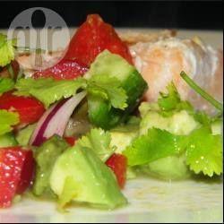 Een heerlijke, verfrissende salade, het best koud geserveerd op een warme dag. Lekker voor een zomerse barbecue bij kip of vis.