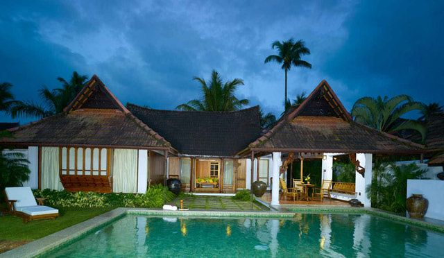 Wondering where to stay along the Kerala backwaters. Check out these popular Kumarakom hotels and resorts for options to suit all budgets.
