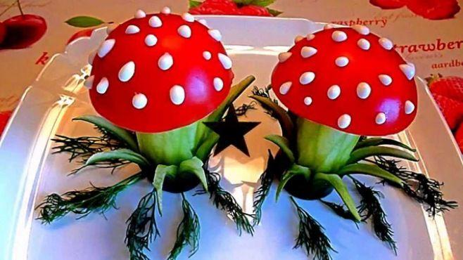 Sebze Oyma Dersleri - Salatalık Ve Domates Kompozisyonu - Sebze sanatı - teknikleri, örnekleri ve ipuçlarını videolu anlatımı. Salatalık ve domates kompozisyonu