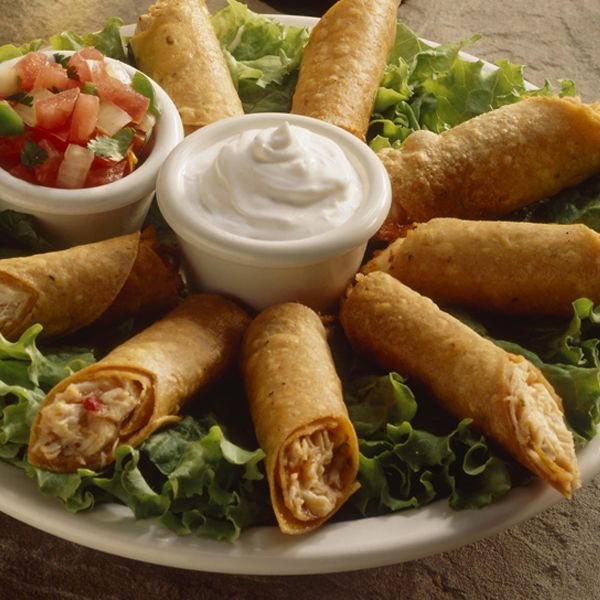 A Delicious recipe for crispy chicken taquitos, Serve with fresh salsa and sour cream.. Chicken Taquitos Recipe from Grandmothers Kitchen.