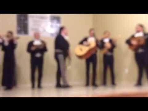 Hermoso Canto Cristiano Con Mariachi
