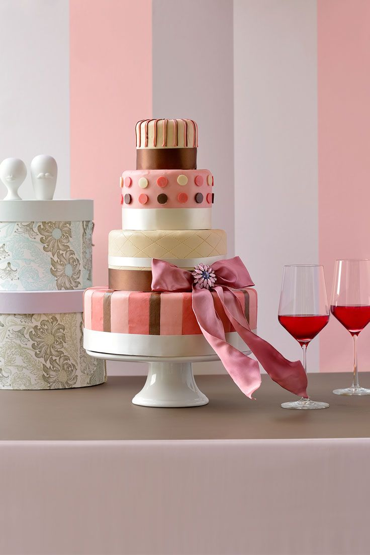 #NOVARESE #weddingcake #pink #white #ribbon #dot #stripe