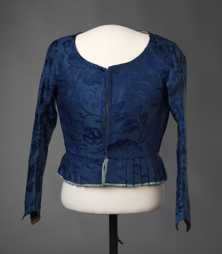 Bodice, Norway, 1770-1790. Dark blue silk damask. Note sleeves go past the elbow to the wrist!