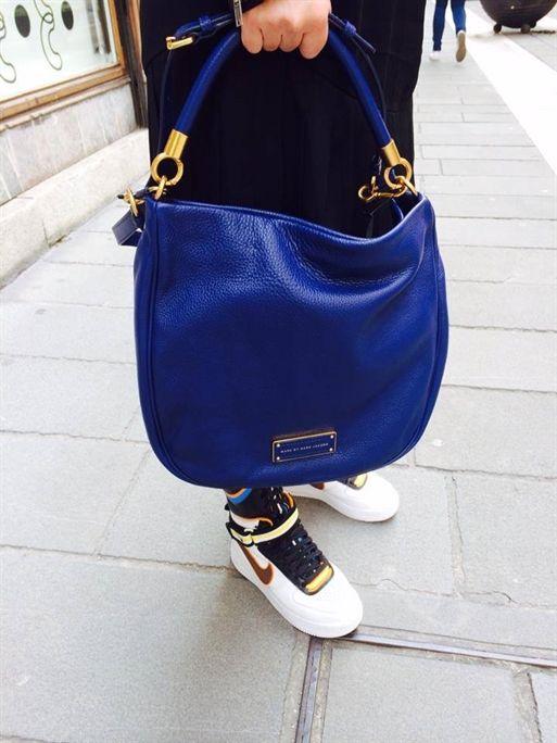 ...io oggi,con la borsa di MARC by MARC JACOBS, presa da Spazio11b Trieste......e le Nike Air by Riccardo Tisci.. www.ana-anna.com