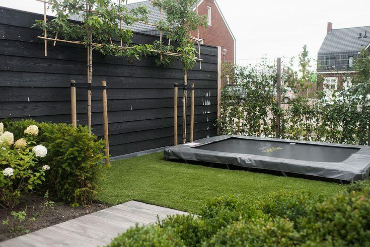 http://www.buitenpracht-houtbouw.nl/index.php/almere-voortuin-achtertuin-vijver-veranda