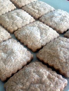 Hoy traigo unas galletas que he preparado muchas veces... y las que me quedan! Las repito mucho porque son excelentes , hojaldradas y...