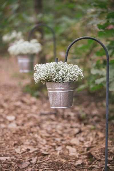 Wedding ceremony decor idea - galvanized buckets with baby's breath {Lois Elaine Photographie}
