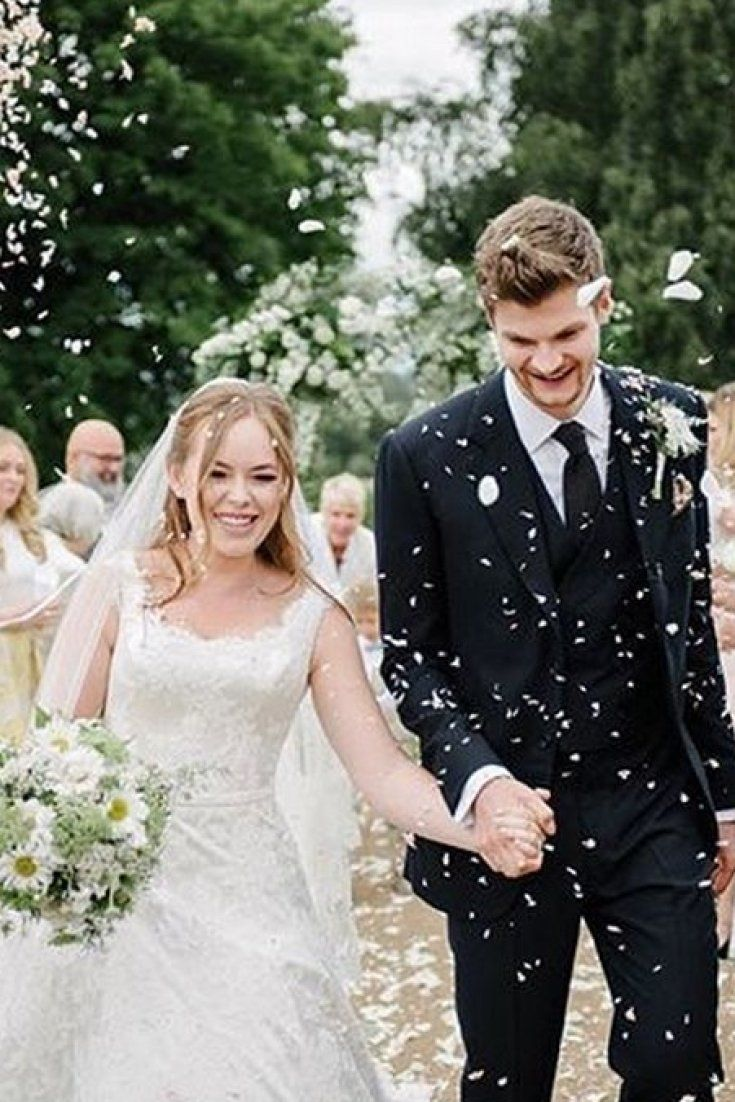 Tanya Burr Wedding Dress: YouTube Star Marries Jim Chapman In The Most Stunning Gown