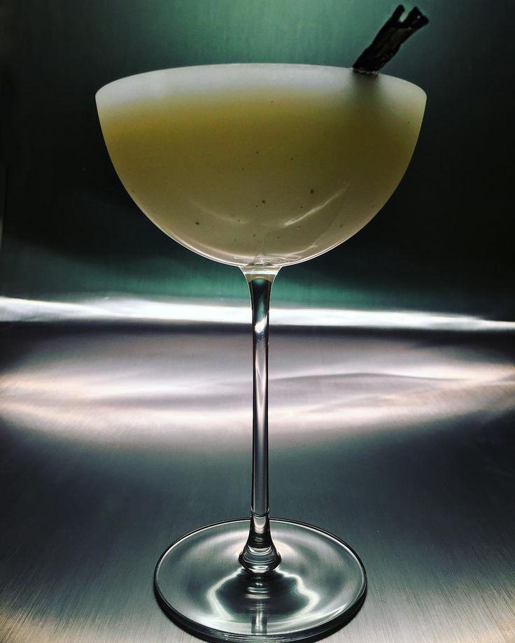 #Cocktail inspiration : An abundance of light  #Gvine #Gin #Nouaison, Homemade Vanilla Bean and Riesling Syrup, Key Lime, Egg White